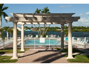 Palm Bay Club Bay Side Swimming Pool and Spa